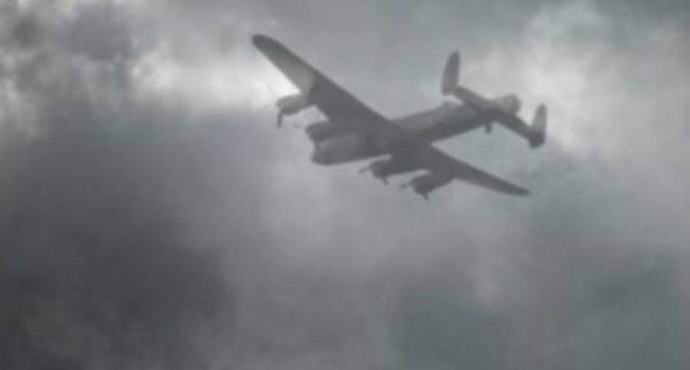 An American photographed a ghost plane